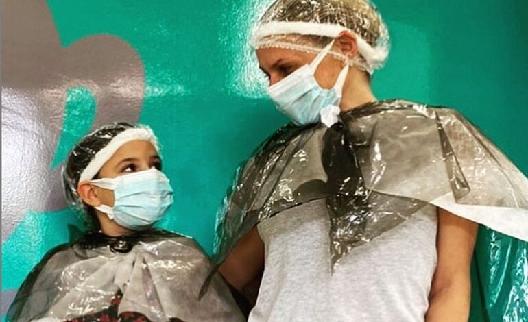 Η Καραβάτου κόλλησε ψείρες μαζί με την κόρη της