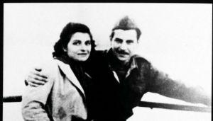Μίκης Θεοδωράκης – Η ιστορία αγάπης με τη γυναίκα της ζωής του