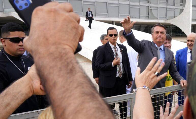 Μπολσονάρου όπως Τραμπ: Οπαδοί του προέδρου κατευθύνονται στο Ανώτατο Δικαστήριο της Μπραζίλια