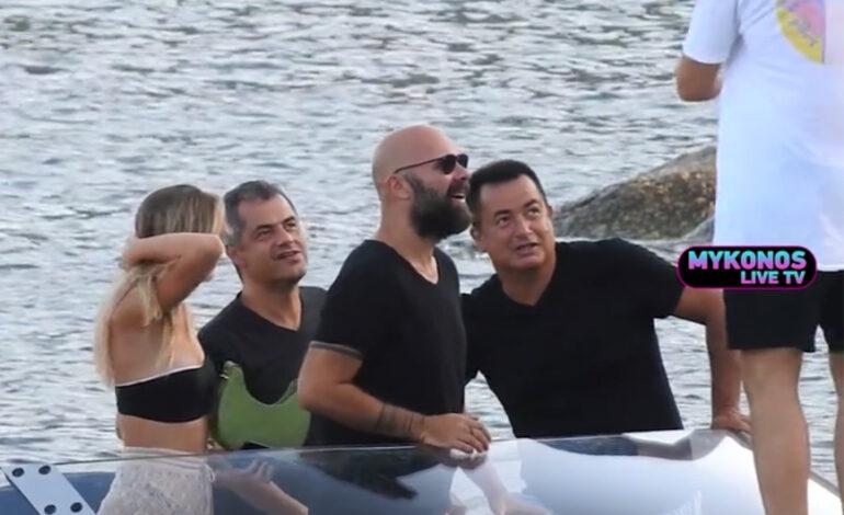 Μύκονος: Βόλτες με το πολυτελές σκάφος του έκανε ο Ατζούν Ιλιτζαλί