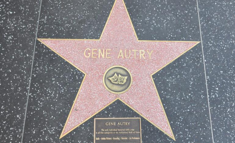 Ο σταρ με τα περισσότερα αστέρια στη Λεωφόρο της Δόξας στο Χόλιγουντ