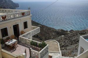 Ρίχνει 10 δισ. ευρώ ο τουρισμός στην οικονομία