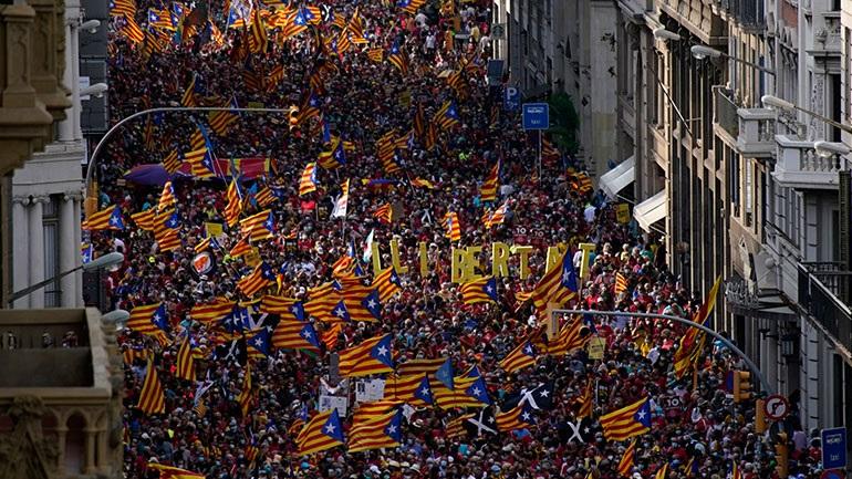 Ισπανία: Διαδήλωση στη Βαρκελώνη υπέρ της ανεξαρτησίας της Καταλονίας