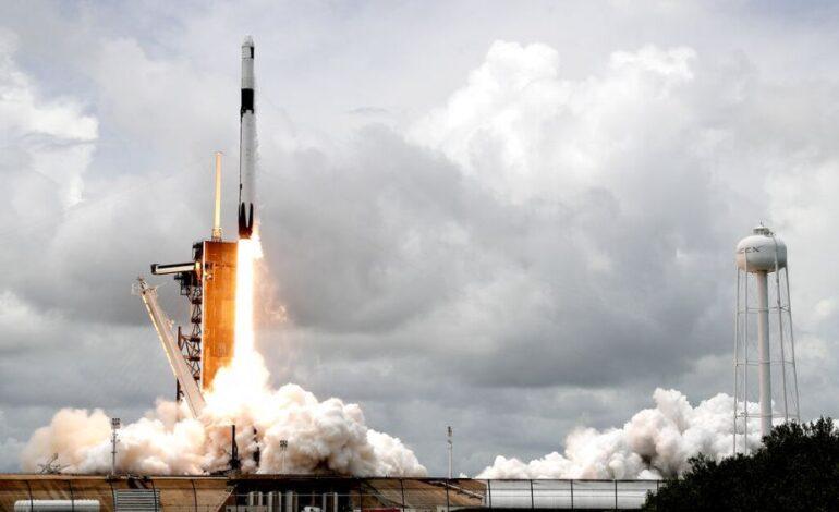 SpaceX: Ετοιμάζεται η πρώτη διαστημική αποστολή που θα αποτελείται στο σύνολό της από πολίτες