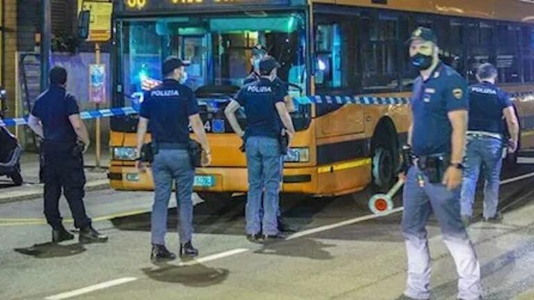 Ιταλία: Σομαλός μαχαίρωσε πέντε ανθρώπους όταν του ζήτησαν το εισιτήριο του λεωφορείου – Σε σοβαρή κατάσταση ένα παιδί